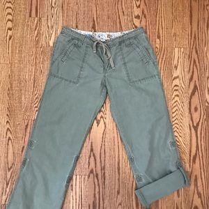 Old navy pants/Capri